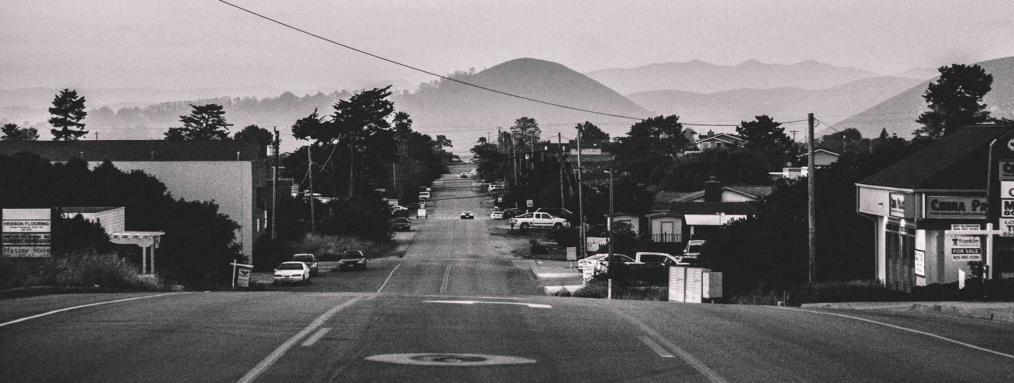 grainy, black, white, road, hills, cars, america